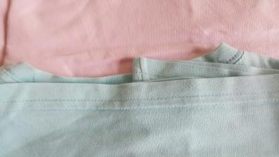 Camisetas rosa e azul