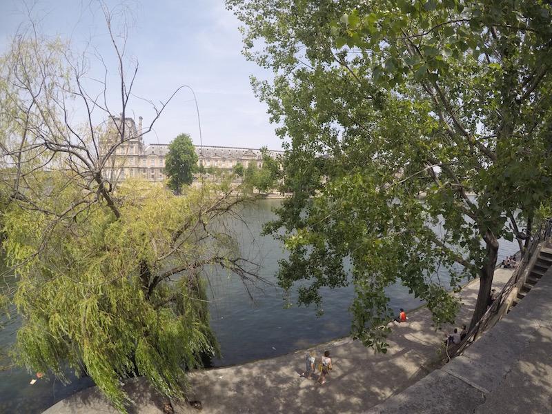 Entardecer no rio Sena