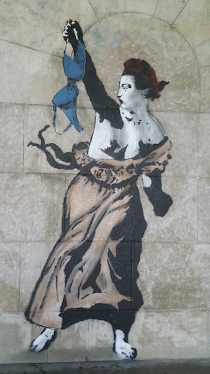 Num muro parisiense Foto da blogueira